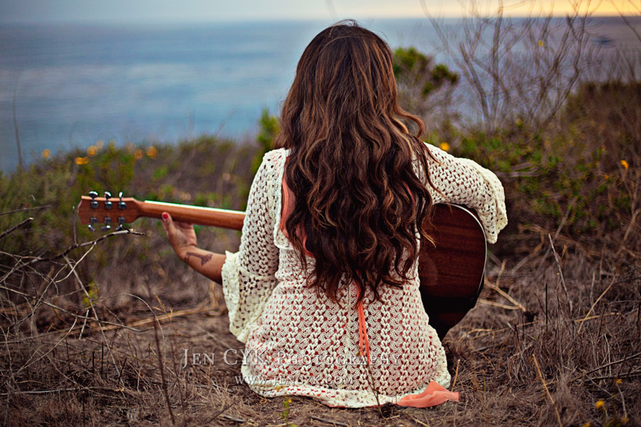 Beautiful Girl With Guitar Cool Facebook Profile Picture
